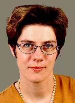Portraitfoto Annegret Kramp-Karrenbauer